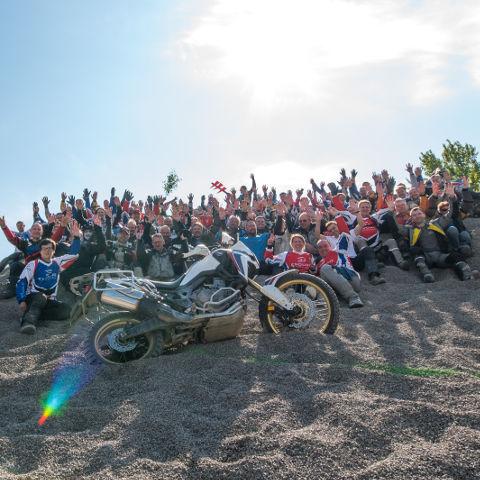 Teilnehmer beim Enduro-Event mit Honda Africa Twin